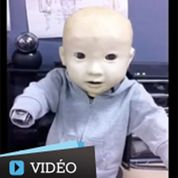 Un bébé robot d'un réalisme troublant