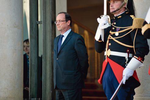 Face à Athènes, Hollande prend le parti de Berlin