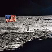 La Terre salue l'homme qui a marché sur la Lune