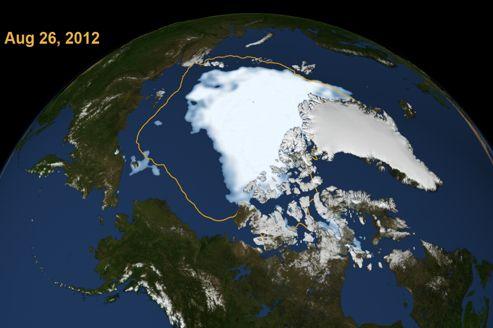 Images satellites de la calotte glacière par des scientiques de la Nasa, le 26août.