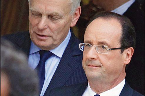 L'entourage de François Hollande, comme celui de Jean-Marc Ayrault, regrette «la surenchère pour faire vendre».