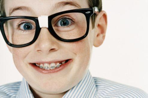 lunettes cass es tes vous bien assur. Black Bedroom Furniture Sets. Home Design Ideas