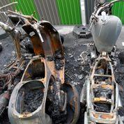 Les scooters brûlent toujours aux Batignolles