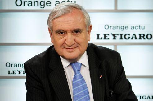 Jean-Pierre Raffarin <i>(ici en février au Figaro)</i> a présenté une motion cosignée par 87 députés et sénateurs.