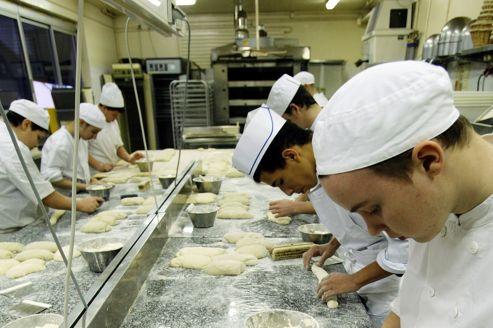 L'Assemblée vote la création des emplois d'avenir