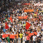 Les Chinois défilent contre le Japon
