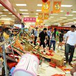 Un supermarché de la chaîne Jusco ravagé à Qingdao.