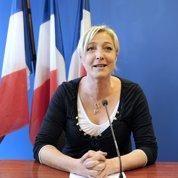 Le Pen prend la pose de «l'ultralaïcarde»