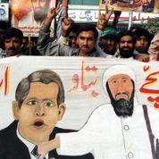 2001 : Washington isole le régime taliban