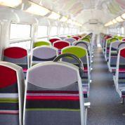 Le RER C relooké entre en gare