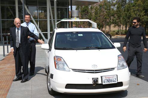 La voiture sans conducteur de Google roule en Californie