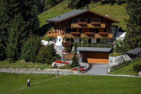 Le d part de johnny hallyday de gstaad est une invention - Toutes les maisons de johnny hallyday ...