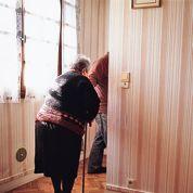 Des personnes âgées, cibles d'escroquerie