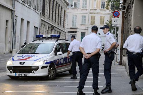 Au total, douze policiers ont été pour l'instant mis en examen.