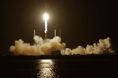 Explosion sur la fusée Falcon 9 en route vers l'ISS