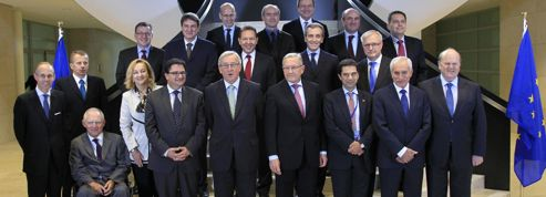 Zone euro: trois sauvetages d'un coup, en novembre