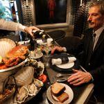 L'une des spécialités du Bar à Huîtres, cesont les grands crus d'huîtres vendus à l'unité.