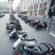 Garer sa moto à Paris, l'ubuesque casse-tête