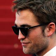 Pattinson au casting de Hold On to Me