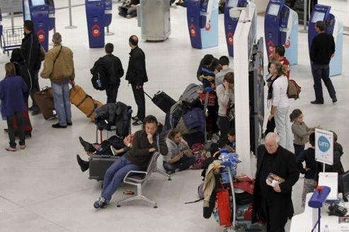 Les départs en vacances de la Toussaint, qui démarrent le 27 octobre, pourraient être perturbés aussi bien dans le ciel que sur les rails. Crédit: François BOUCHON/Le Figaro.