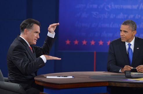 Barack Obama a écouté les réponses de Mitt Romney avec un air de mépris souvent visible.