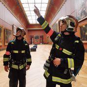 Dans le sillage des pompiers du Louvre