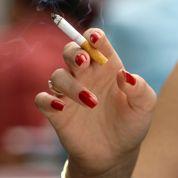 Fumeuses: mieux vaut arrêter avant 40 ans