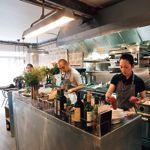 Le restaurant Abri. Ici, le chef japonais Katsuaki Okiyama œuvre discrètement mais sûrement.