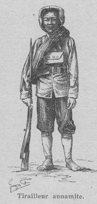 Un tirailleur annamite, vers 1915. (Illustration tirée du livre  L'Indochine française , de Paul Doumer)