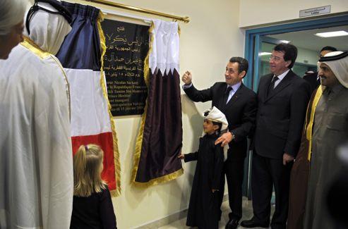 Le 15 janvier 2008, Nicolas Sarkozy, alors président, accompagné par son ministre de l'Éducation Xavier Darcos, inaugurait le lycée Voltaire de Doha.