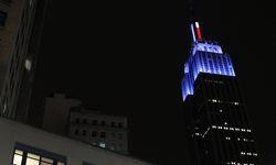 La flèche bleue de l'Empire State building.