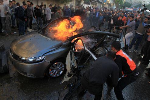 Le véhicule où circulait Ahmed al-Jaabari a été pulvérisé par une attaque aérienne israélienne, mercredi à Gaza.