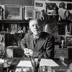 André Breton dans son atelier, 1930.