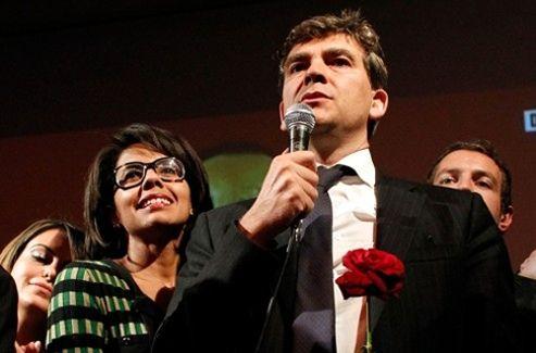 Audrey Pulvar en compagnie d'Arnaud Montebourg lors du premier tour de la primaire socialiste le 9 octobre 2011.