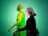 Des chercheurs de Lausanne expérimentent l'impréssion de sortir de son corps avec des électrodes.