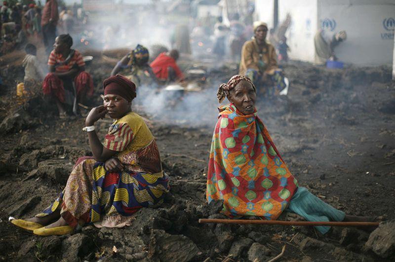 <strong>Déplacés</strong>.L'espoir revient pour ces femmes congolaises réfugiées dans un camp de la ville de Goma. Le repli des rebelles militaire du M23 laisse présager un retour à la normale. C'est après avoir plongé la ville dans le chaos que le groupe armé a entamé son retrait de la ville. La Croix-Rouge a ramassé 62 corps dans les rues de Goma dans les jours qui ont suivi la prise de cette ville stratégique.