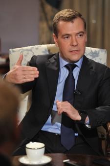 «S'il y a une seule personne avec qui il est confortable de travailler, c'est bien Vladimir Poutine», assure Dmitri Medvedev.