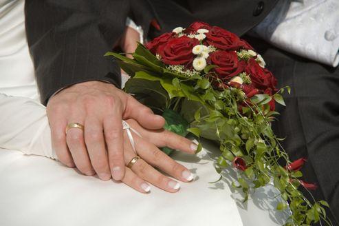 On estime à au moins 70000 le nombre de mariages forcés par an en France.