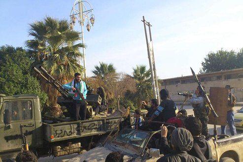 Les insurgés seraient désormais près de 40.000 à s'être regroupés autour de la capitale.