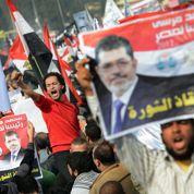Égypte: soutien massif des islamistes à Morsi