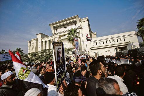 Les lois égyptiennes devront désormais se conformer à la jurisprudence islamique