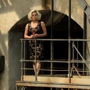 Carmen est une fausse blonde