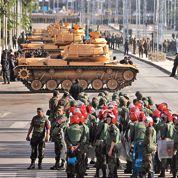 La colère de Tahrir aux marches du palais