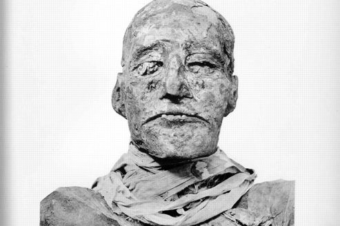 Le pharaon Ramsès III a eu la gorge tranchée