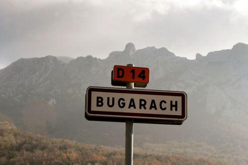 Des gendarmes surveillent les entrailles de Bugarach