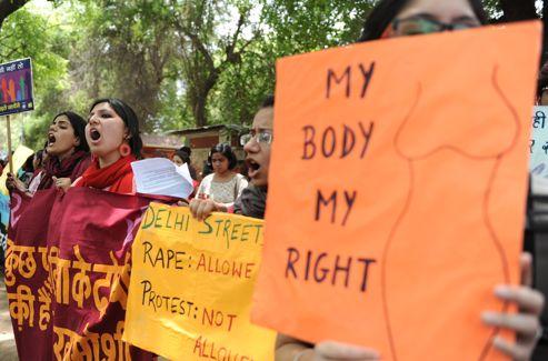 «Mon corps, mon droit», pouvait-on lire sur les pancartes des manifestantes.