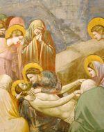 « Déposition de la Croix », par Giotto. Après la mort de Jésus, son corps, enlevé avec l'autorisation des Romains, est enseveli selon les préceptes de la loi juive.
