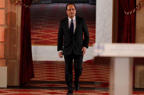 <i>«Tout l'enjeu de notre politique, c'est de redonner aux Français des raisons d'espérer»,</i> affirme François Hollande
