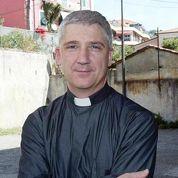 Un curé italien lie criminalité et féminité