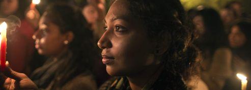 L'Inde se recueille après la mort d'une étudiante violée